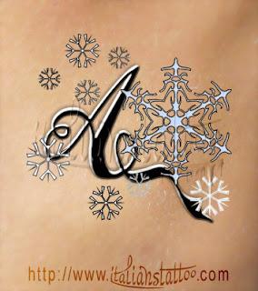 alfabeto tattoo fiocchi di neve lettera A