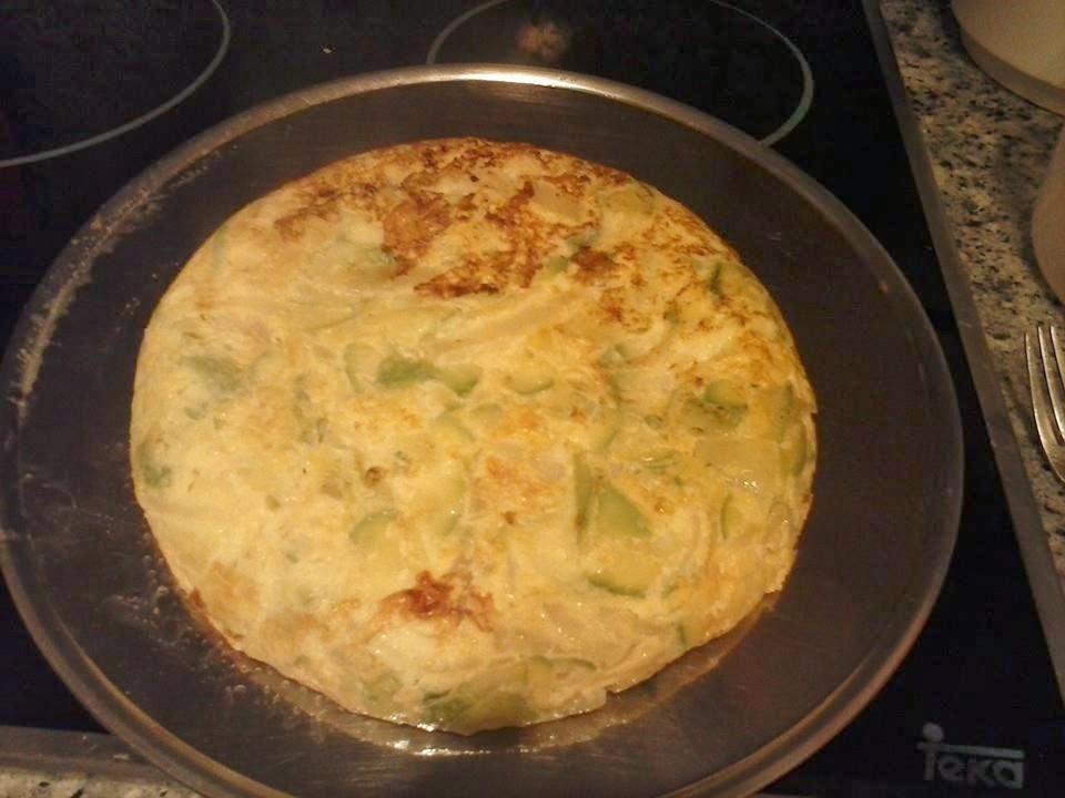Marujeando en la cocina tortilla de calabacin y cebollas - Tortilla de calabacin y cebolla ...