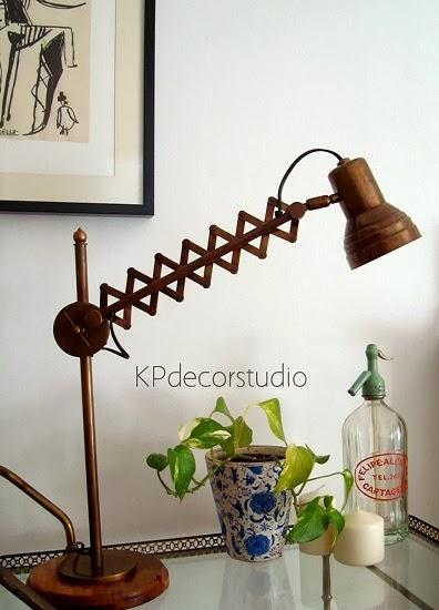 Kp tienda vintage online flexo con muelle y base de - Lamparas de mesa originales ...