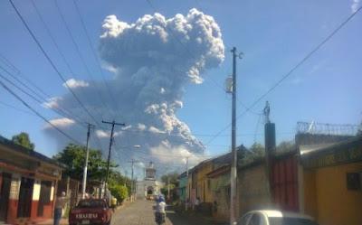 VOLCAN SAN CRISTOBAL DE NICARAGUA EN ERUPCION 08 DE SEPTIEMBRE 2012