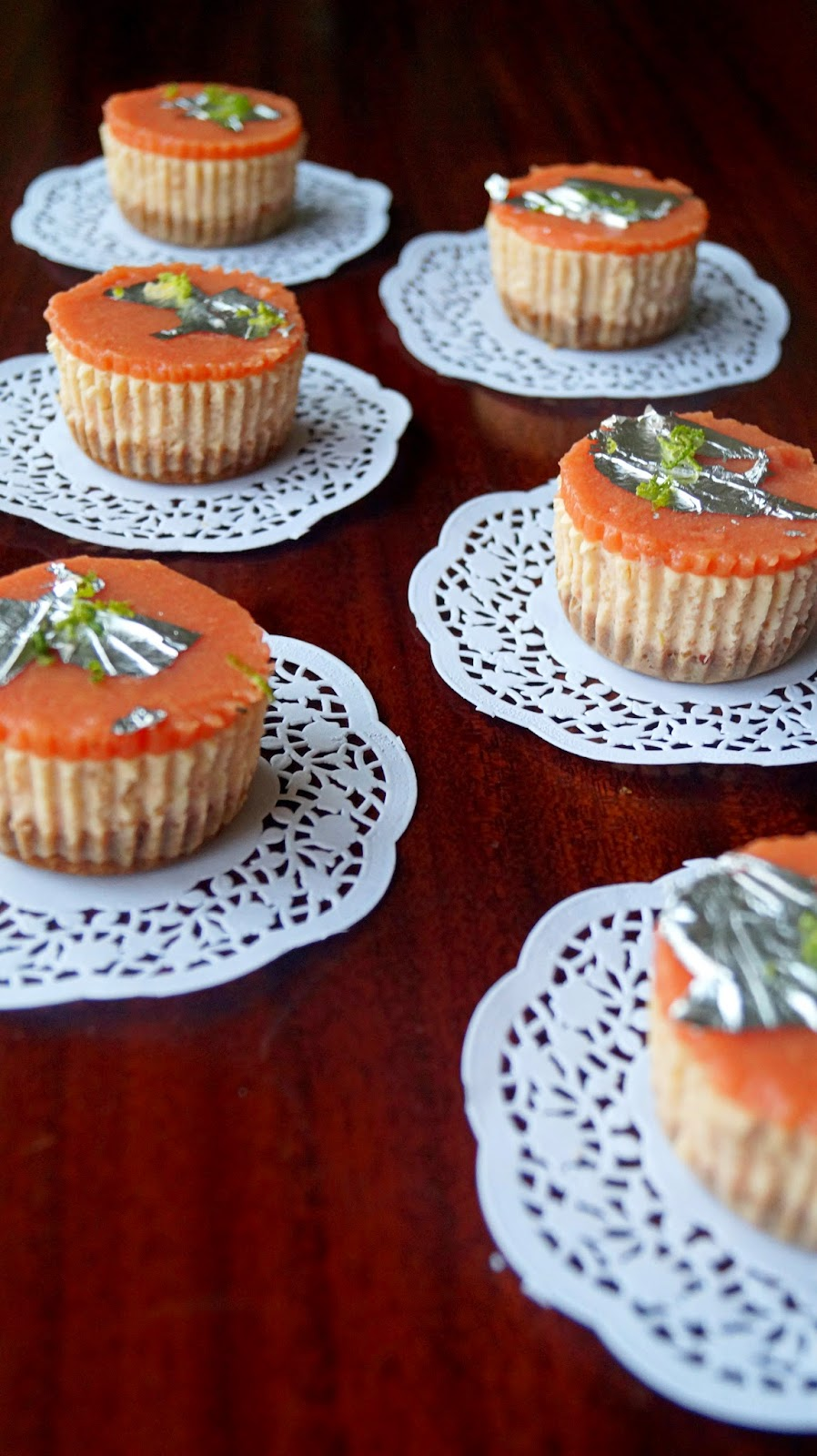 http://cupcakeluvs.blogspot.dk/2015/03/guava-lime-cheesecake.html