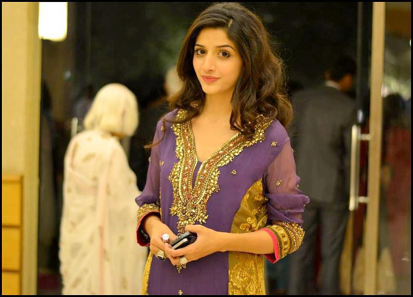 Urwa And Marwa Jeans Latest Images Of Mawra Hocane
