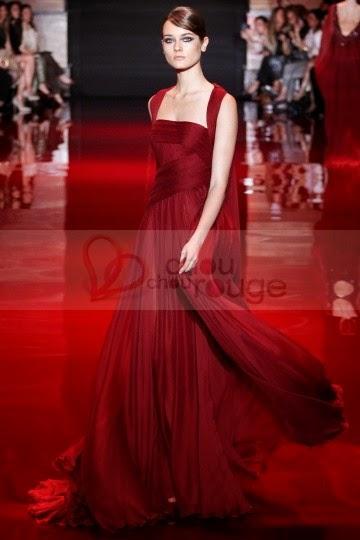 Robe de soirée de noël rouge A-line et cape longue en mousseline