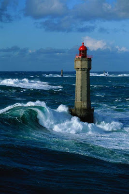 http://1.bp.blogspot.com/-necozQDtsBo/TzLmiNQFnUI/AAAAAAAADAY/Nu_Ys-vU2vk/s1600/most_amazing_lighthouses_09.jpg