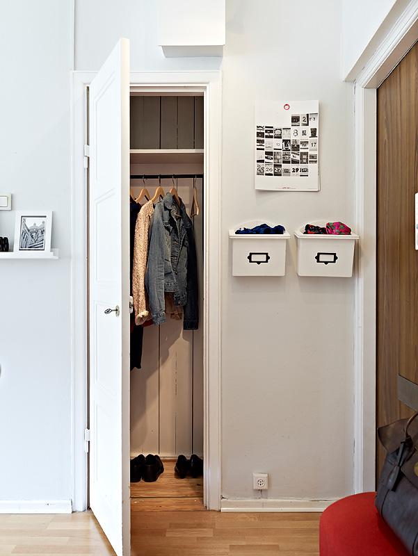 Urban home sweet home apartamento n rdico de 39 metros - Armarios para entradas ...