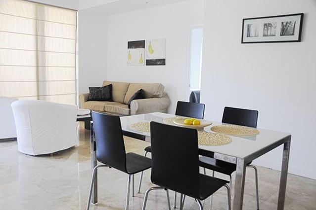 Casas minimalistas y modernas comedores para ambientes for Comedores minimalistas