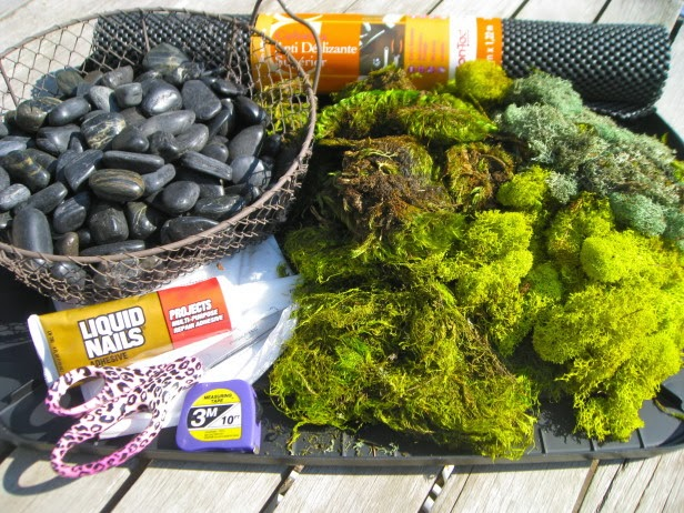 Easy craft idea bath mats of moss and stones - Alfombras de bano ...