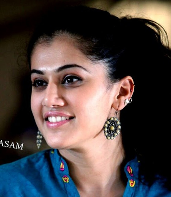Taapsee Pannu HD Wallpaper