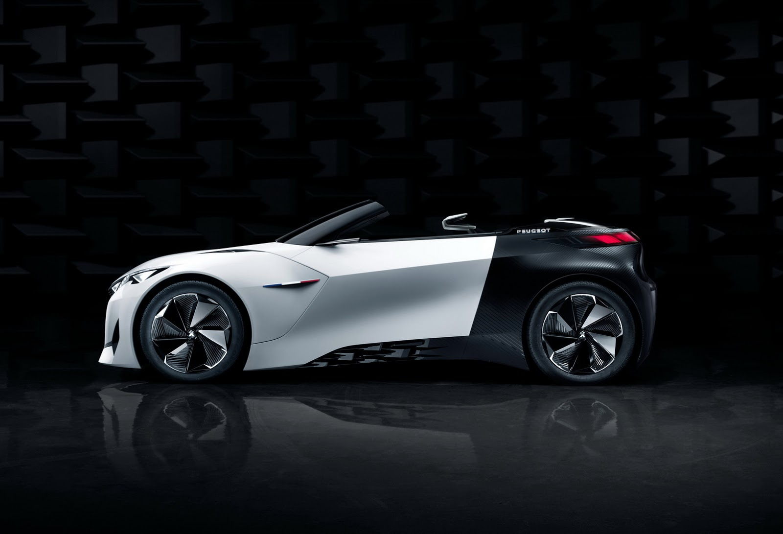 Peugeot Convertibles 2017 >> Peugeot S New Fractal Coupe Hatch Convertible Concept In All Its