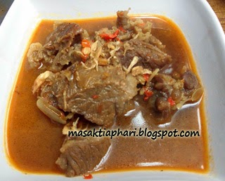 Cara membuat semur daging sapi enak pedas