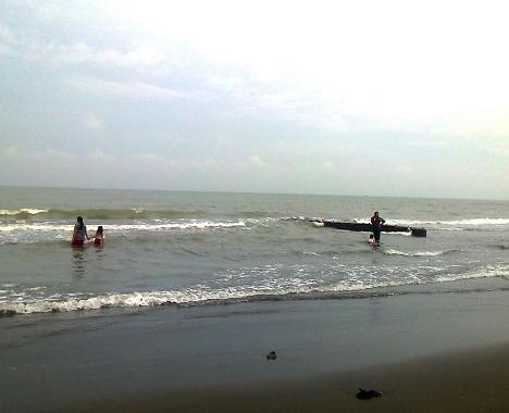 Tempat Wisata di Semarang Pantai Tirang