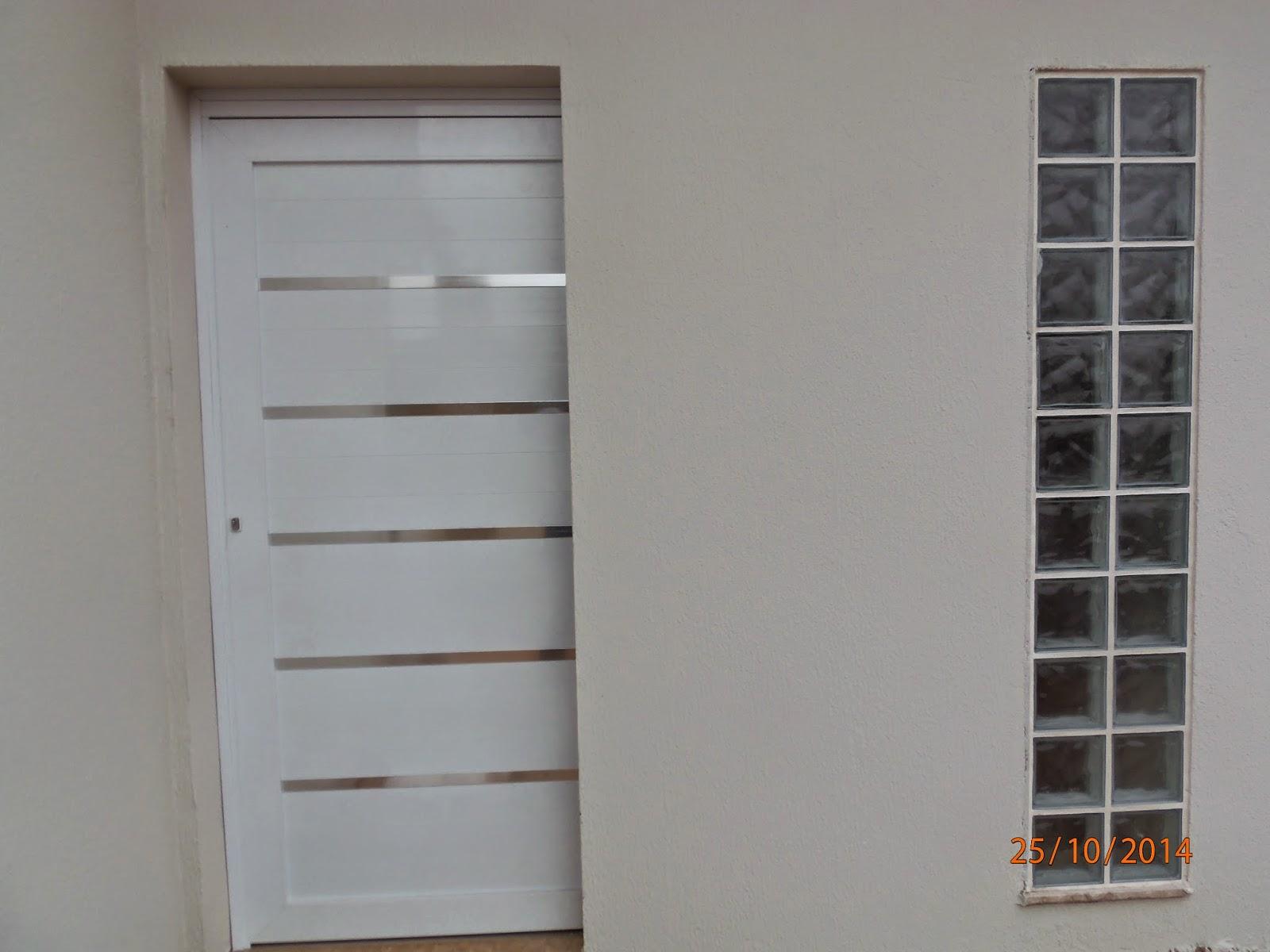 #604C40 hall de entrada visto pelo lado de dentro da casa 1114 Portas E Janelas De Aluminio Para Cozinha