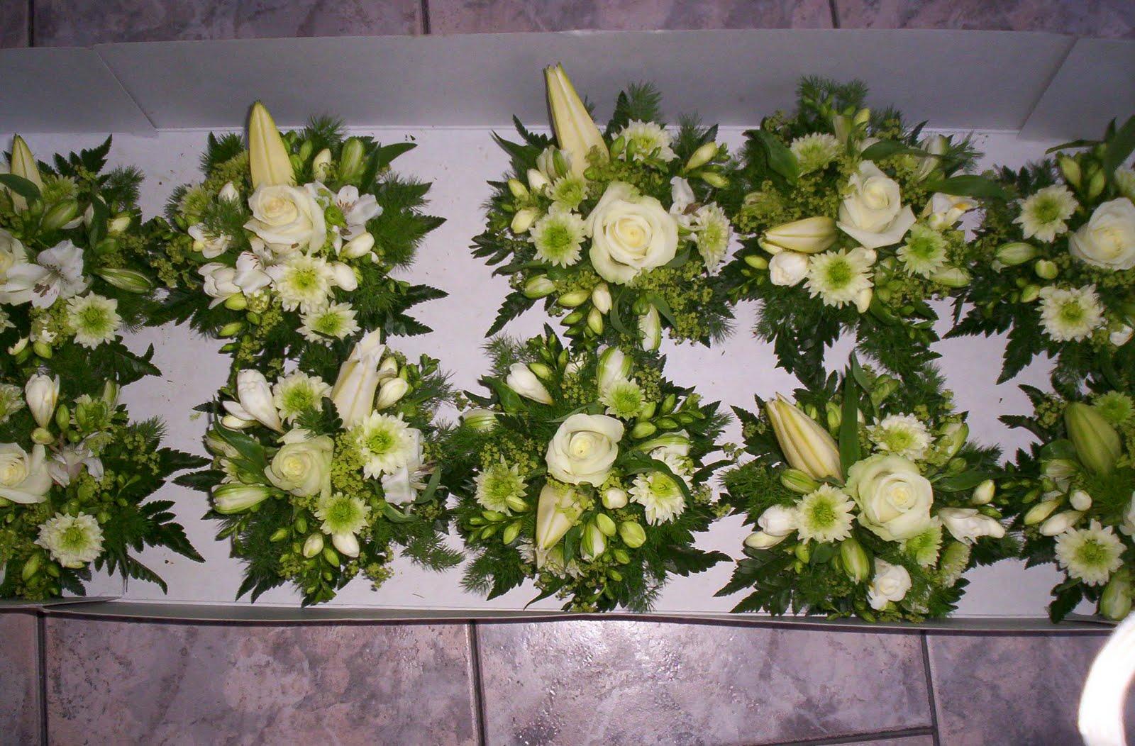 Shvilyarok low floral centerpieces סידור הפרחים נמוך