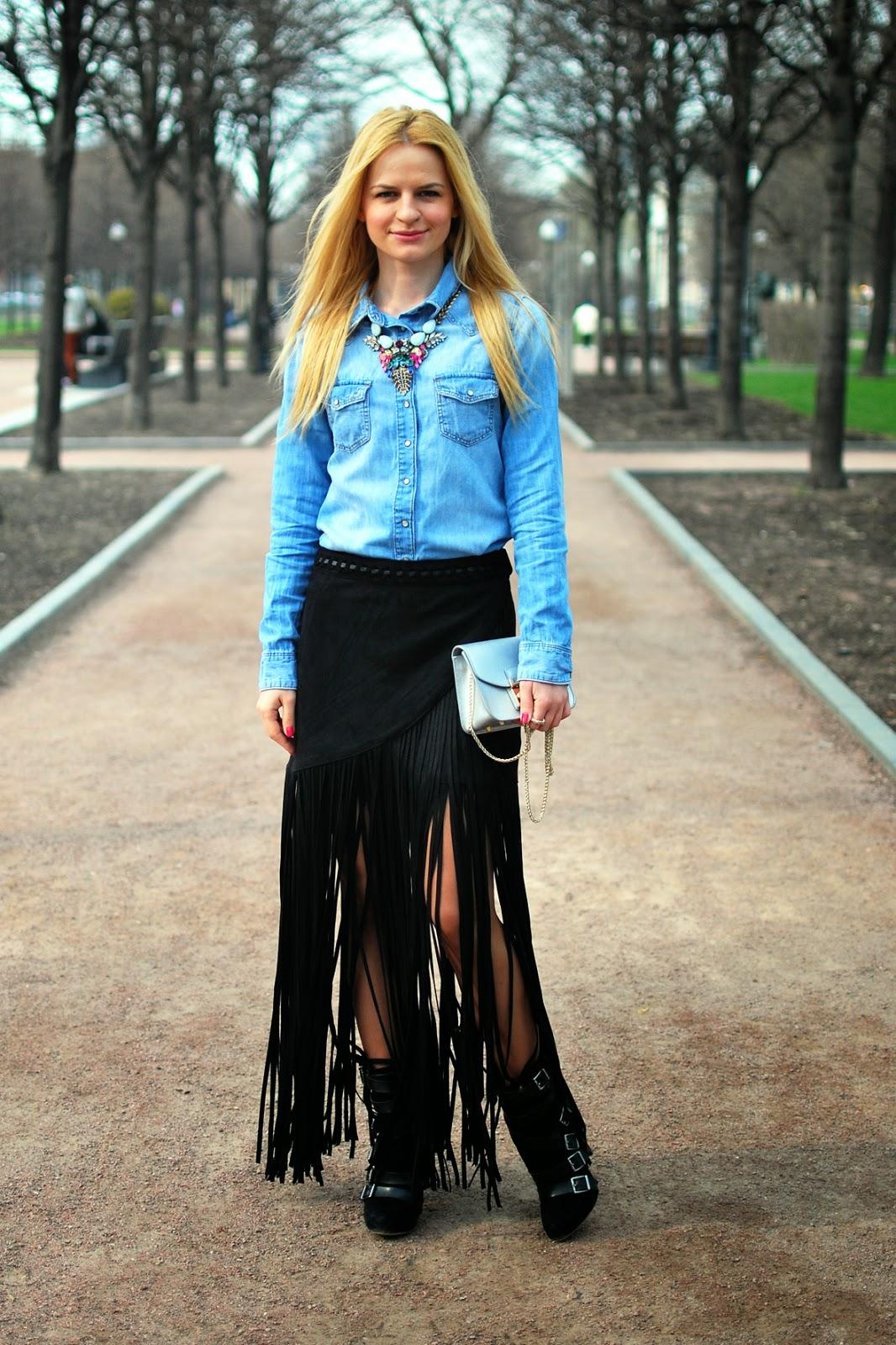 с чем носить джинсовую рубашку, с чем носить бахрому, тренд бахрома,уличная мода