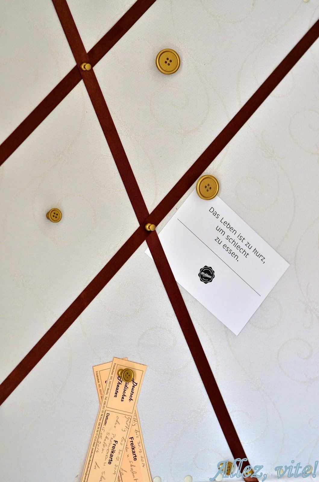 allez vite nie mehr verzettelt pinnwand aus kork selber machen. Black Bedroom Furniture Sets. Home Design Ideas