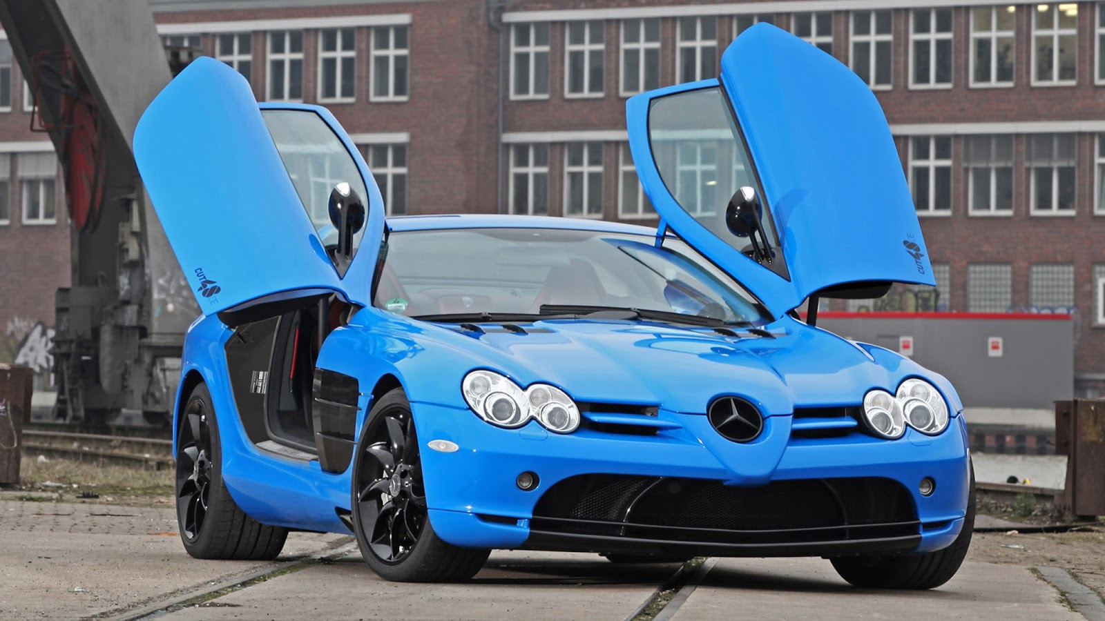 Modification race cars mercedes benz slr mclaren v8 by cut48 for Mercedes benz modification