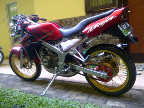 Top modifikasi ninja ss warna merah