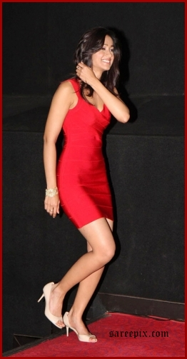 ileana pics in miniskirt