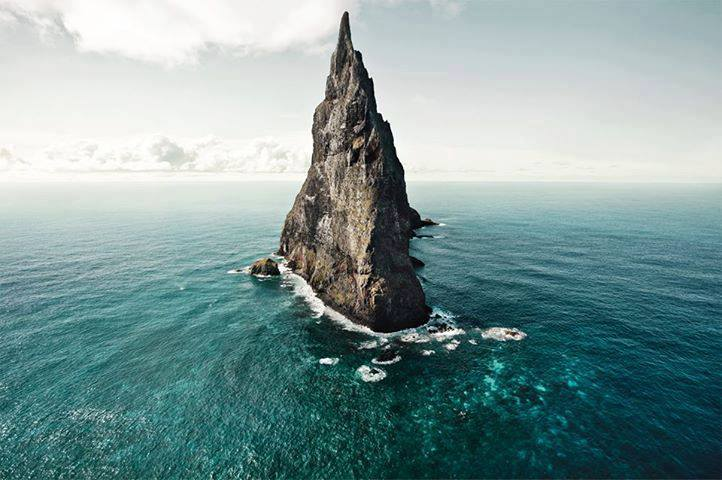 Beautiful and amazing wallpapers for android desktop mac mobile the biggest mountain island in the blue water hd wallpapers for android voltagebd Choice Image