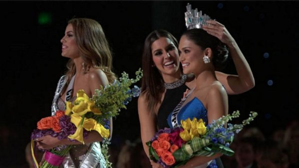Image: Crowning of Miss Universe 2015: Miss Philippines and Miss Colombia