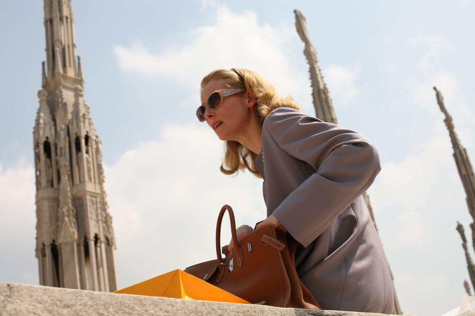 http://1.bp.blogspot.com/-nglsheOX6QE/UJfW1AJRucI/AAAAAAAAE6U/vq6Y3c6kqCs/s1600/i+am+love+movie.jpeg