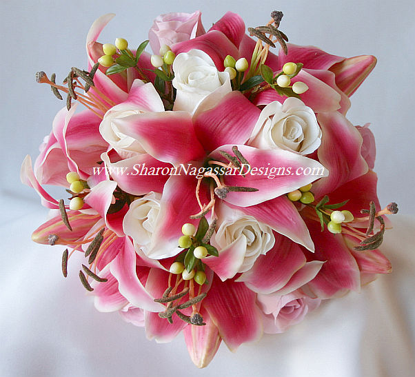 Wedding Flowers Roses And Lilies : Wedding flowers in pink