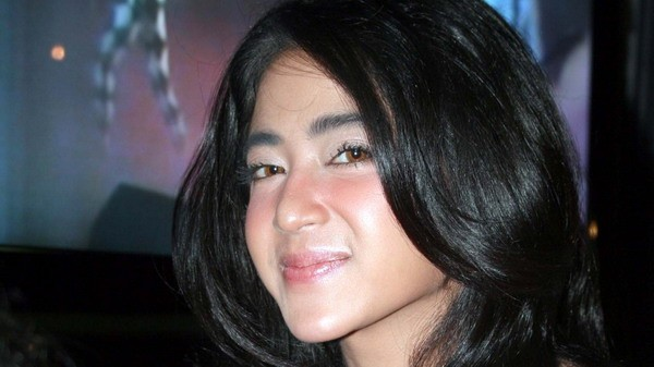 Dewi Perssik