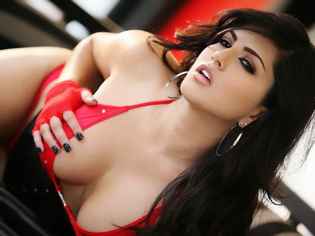 Sunny Leone HOT Wallpapers 2012