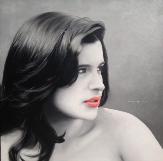 Juan Carlos Manjarrez hyper-realistic paintings portraits black and white Ximena