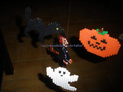Móvil Halloween hecho con Hama Beads