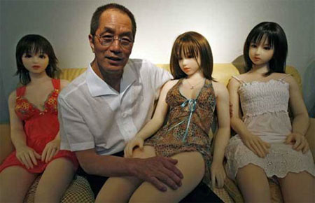 China's Robotic Sex Doll Recognizes Faces & Chats