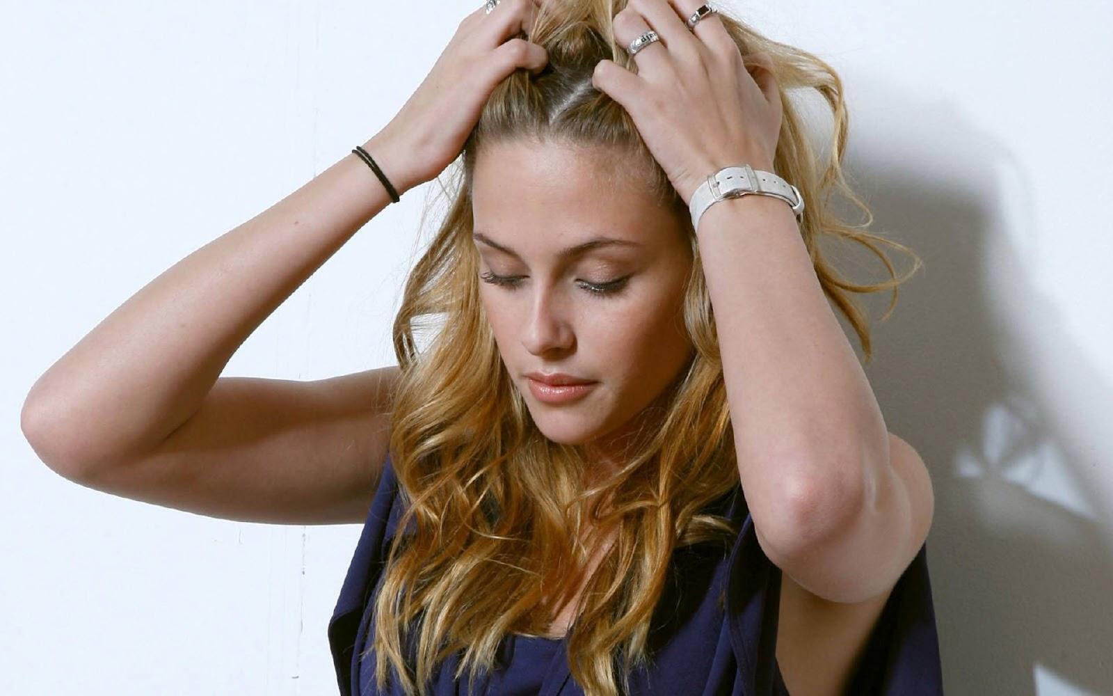 http://1.bp.blogspot.com/-niBeg_u3nsc/T0Nw5MI9QiI/AAAAAAAAANM/Ux3f-FbeN6E/s1600/Kristen+Stewart+Wallpapers+9.jpg