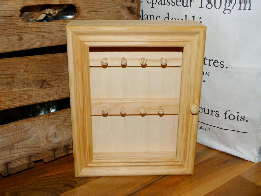 Armario para llaves decorado isabel vintage - Armario de madera ...