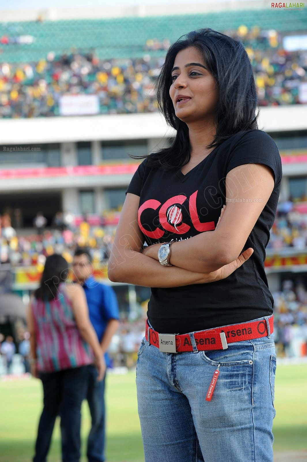 http://1.bp.blogspot.com/-niHitbmH0ms/TfoL9xKN_wI/AAAAAAAAITA/OUt4QsVwF38/s1600/priyamani-high-resolution-celebrity-cricket-league10-0012_indian%2Bmasala_01indianmasala.blogspot.com.jpg