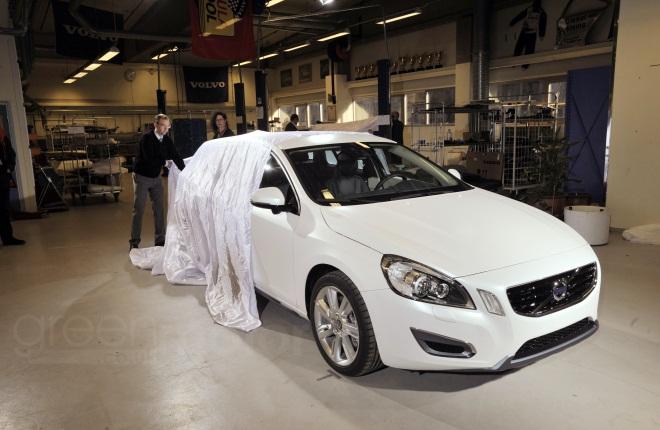 Volvo V60 Plug-in Hybrid unveiling