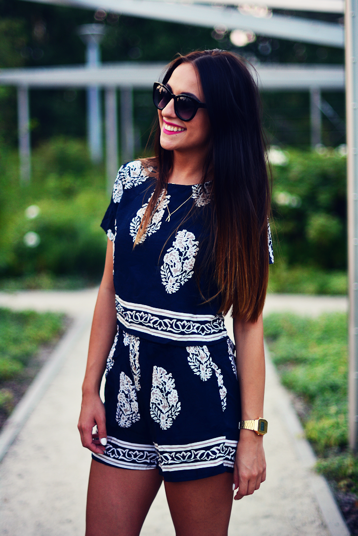 http://furioussquirrel.blogspot.com/2015/08/navy-white.html