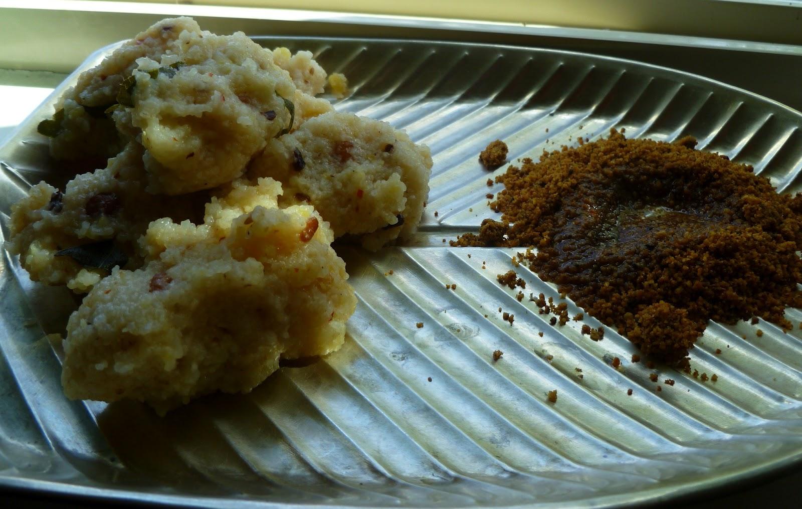 Nisha\'s Kitchen: Rice Rava And Pidi Kozhikottai/ Rice grits dumpling