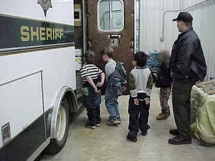 Donde se escode los derecho de los niñoos que no se ve