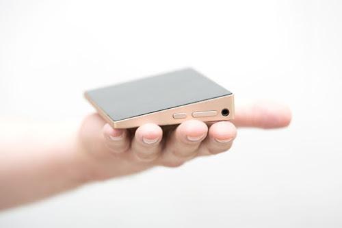 Mini PC impressiona com tela Full HD de 6 polegadas e Windows 10