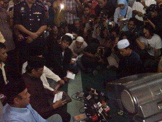 Datuk Eskay, Datuk T, Shuib Lazim, Thamby Chik,sumpah laknat, trio Datuk T, Anwar Ibrahim,  DSAI,