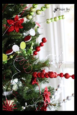 tree+embellishments+glitter.png