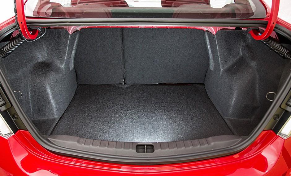 novo Chevrolet Prisma 2014 porta malas