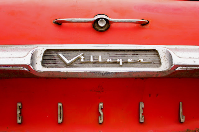 1959 Edsel Villager Wagon tailgate badge