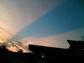 7 Fenomena Aneh Yang Pernah Terjadi Di Indonesia