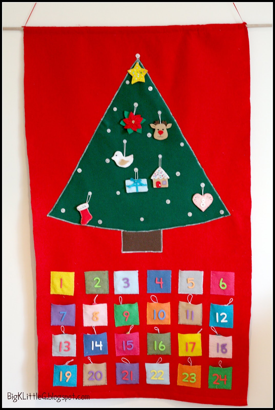 Big k little g diy felt christmas tree advent calendar for Diy christmas advent calendar ideas