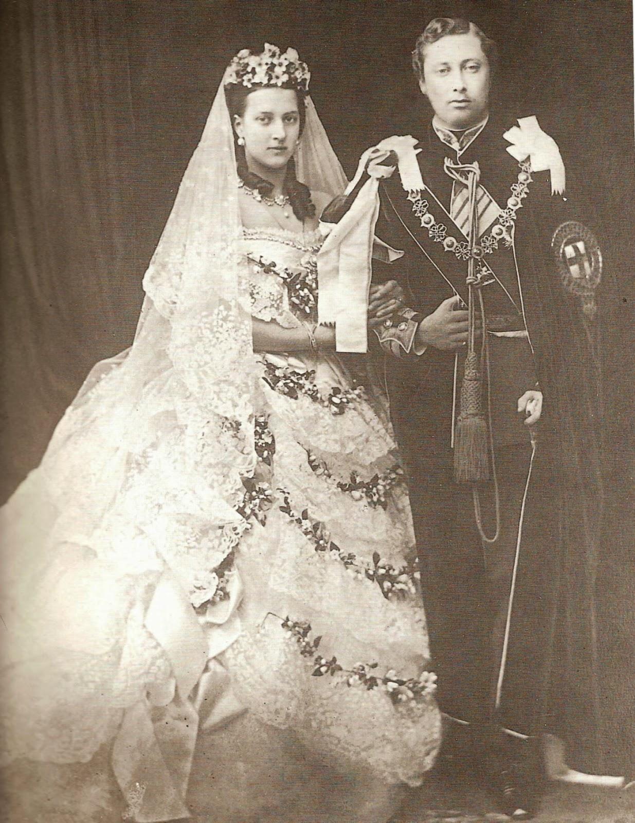 Alexandra of Denmark marries edward