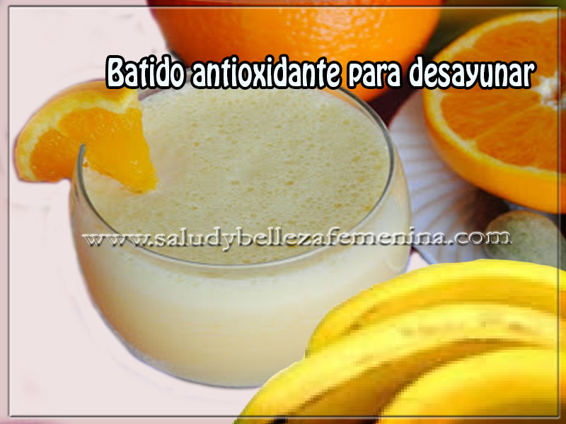 Bebidas saludables,  salud y nutrición , batido antioxidante para desayunar