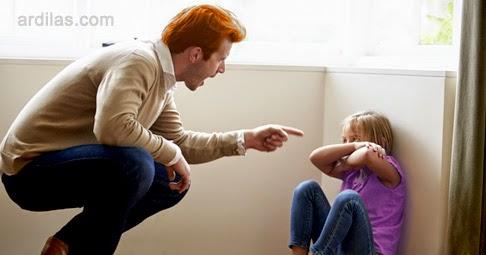 Marah Yang Berlebihan - Kebiasaan Buruk Orang Tua