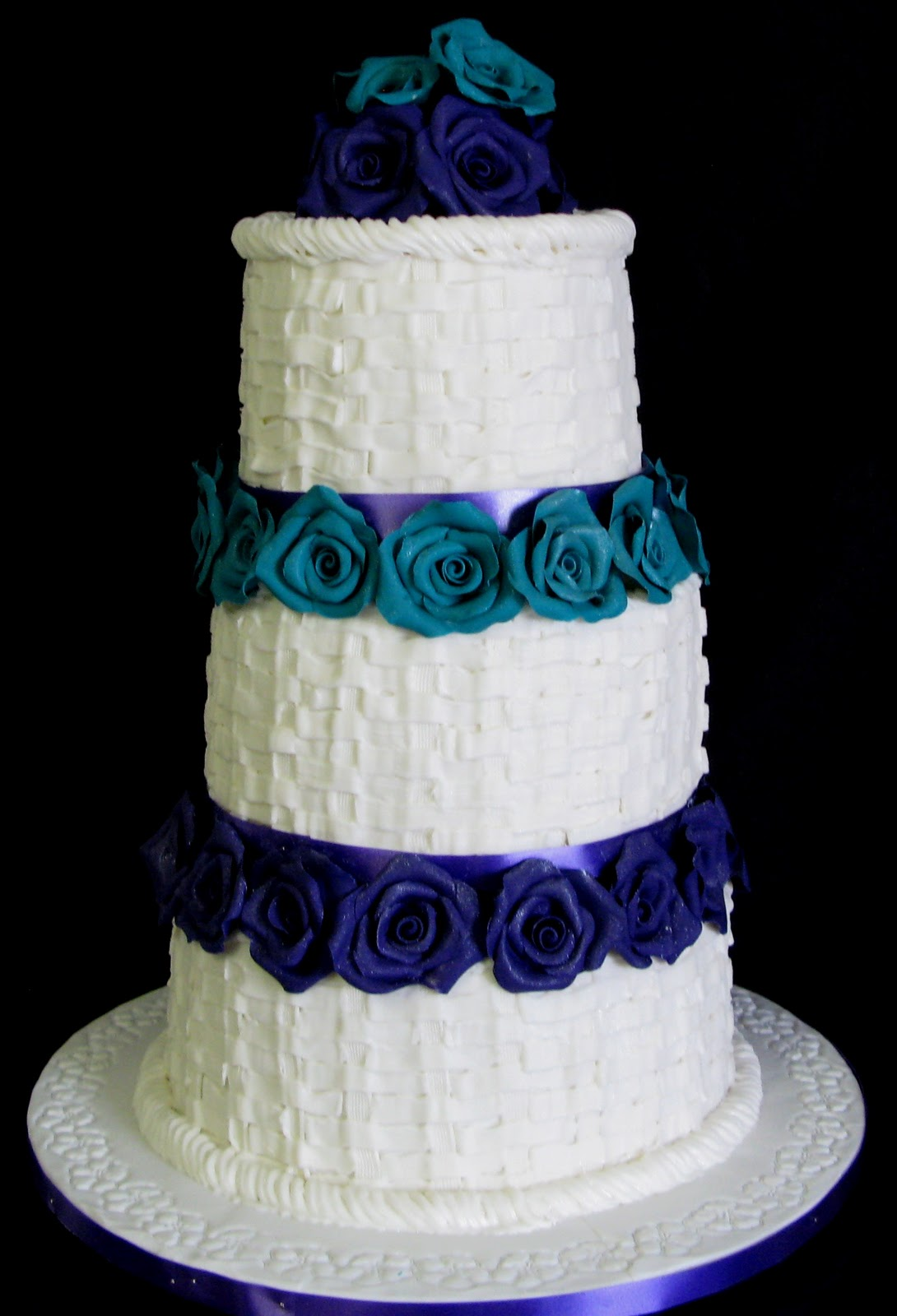 wedding cakes was made for a bride whose wedding theme was turquoise