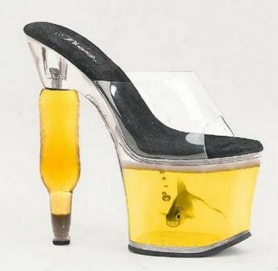 http://1.bp.blogspot.com/-njWwAFp8Ey0/TvYGYktTAAI/AAAAAAAAAdU/xL3DaBuXCrg/s400/sapatos+diferentes3.jpg